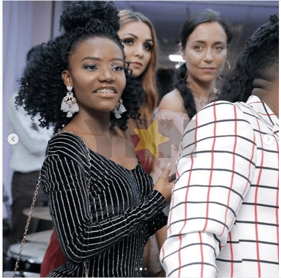 Viral News And Advertorial Writer: PHOTOS: Wendy Shay's Beautiful Sister With Diamond Teeth