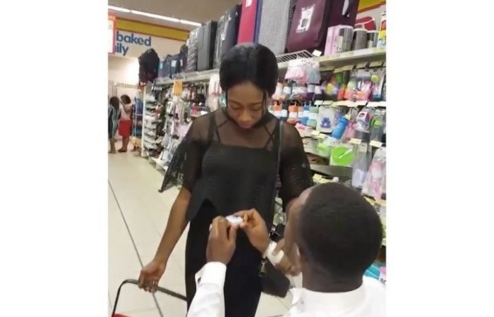 SHOPRITE AMANEHUNU — Guy Proposed to His Girl at the Mall but She Completely Humiliated Him By Rejecting him and Walking Away