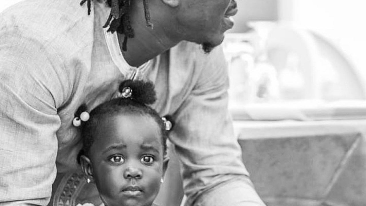 Daddy goals stonebwoy teaches his adorable daughter how to