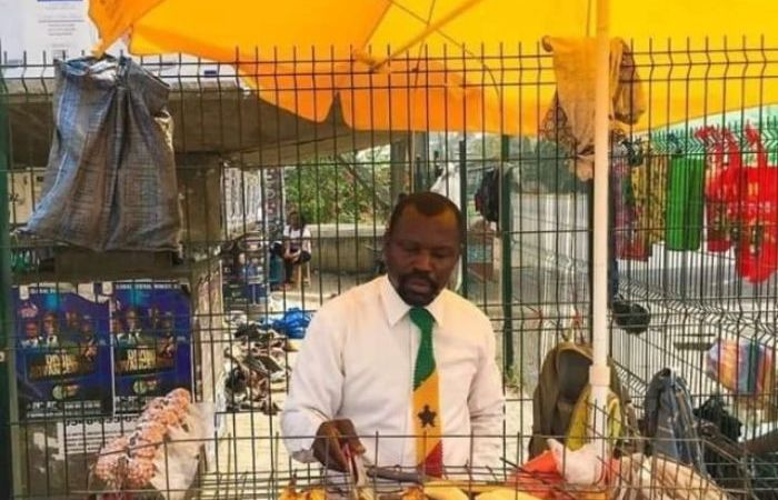 This KNUST Graduate Is Making News for Selling Roasted Plantain In Suit and Tie – Photo