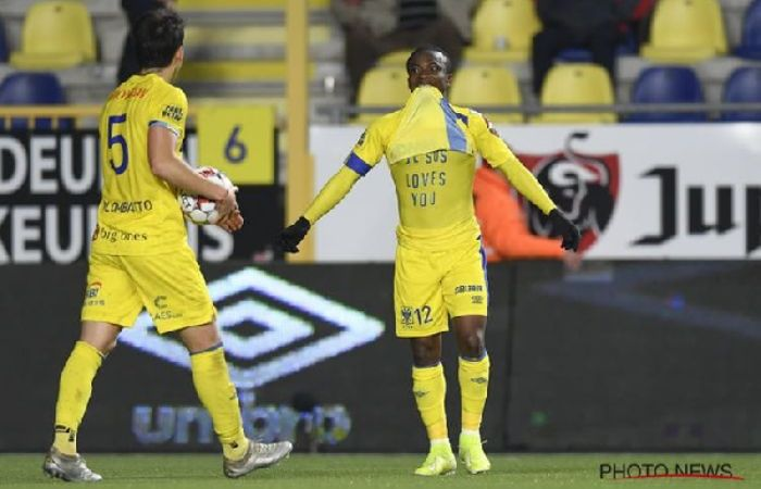 Ghanaian Footballer Receives Red Card for Showing Off 'Jesus Loves You' Shirt After Scoring