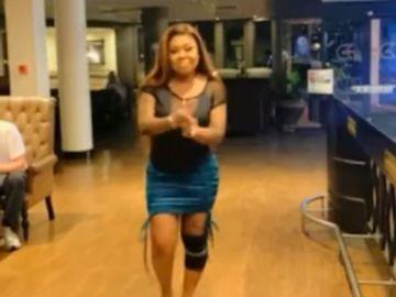 afia schwarzenegger knee injury