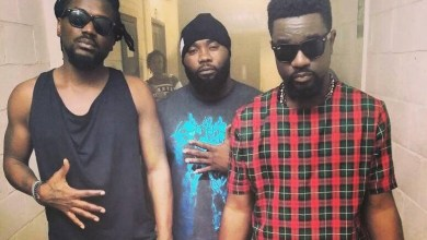 Photo of Download : Sarkodie Ft Samini – Love Rocks (Prod by Killbeatz)