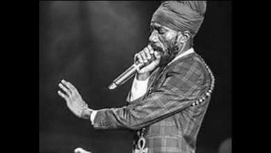 Photo of Download : Sizzla – We Nuh Business – Kingston 20 Riddim