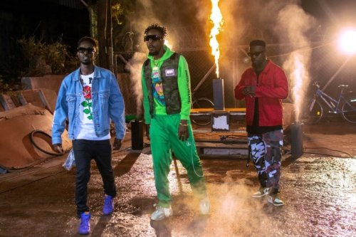 Kwaw Kese Ft Mr Eazi x Skonti x Sarkodie x Medikal – Dondo Remix (Official Video)