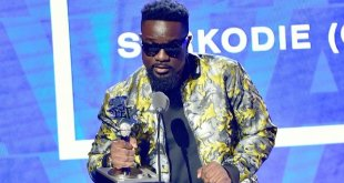 I'm not ready to rap in English – Sarkodie