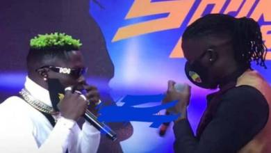 """Photo of Shatta Wale – """"Stonebwoy is a local champion"""""""