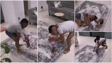 Funny Video - A Year Old Kid Wrestle And Beat Senior Brother In A Match