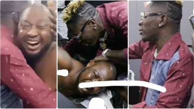 Photo of See What Shatta Wale Did To Trotro Driver Who Abandoned Passengers To Meet Him – Video