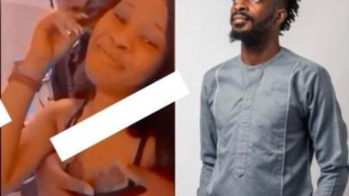 Photo of Singer 9ice Seen Pressing Lady's Breasts Like Keyboard – Video