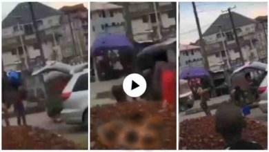 "Photo of Yahoo Boys Bath In De Middle Of Da Street While ""juju man"" Do Ritual On DEM – Video"
