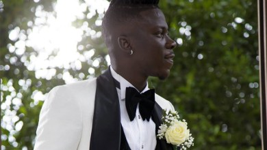 Stonebwoy in tux. Photo credit: Dreams 2 Memories