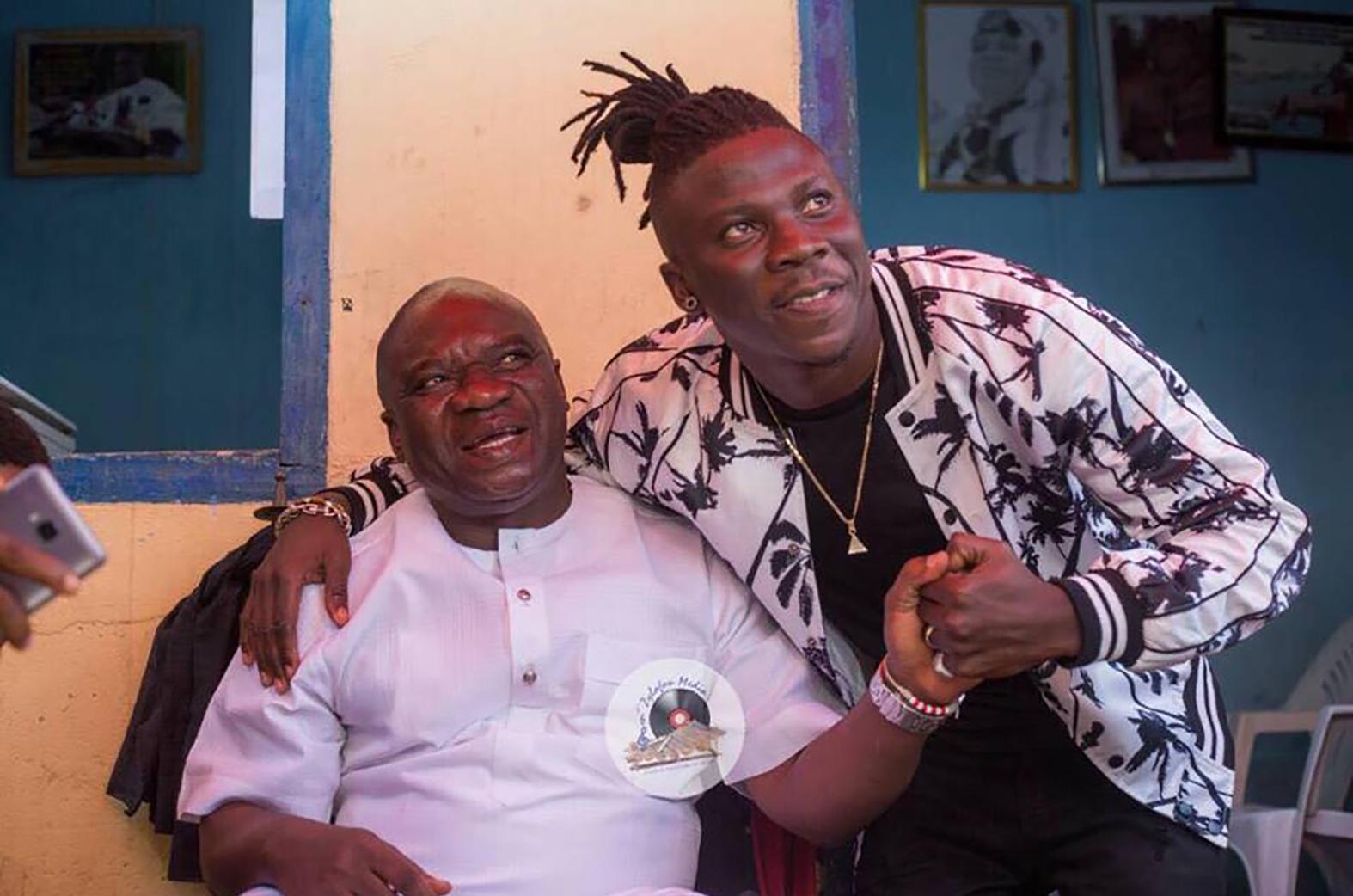 Stonebwoy & chief of Elmina, Nana Kodwo Condua VI