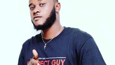 Photo of Oluwa Mic says a 'Prayer' for his fans