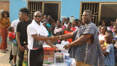 Photo of King Promise gets philanthropic on Val's Day