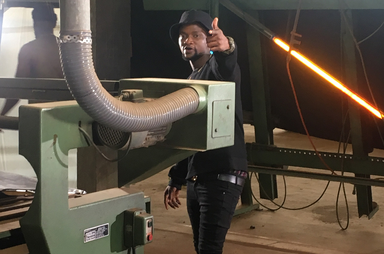 BTS: Keeny Ice is shooting the video for 'Barcode'