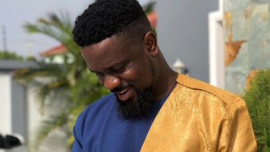 Photo of Sarkodie's appeal for votes a show off?