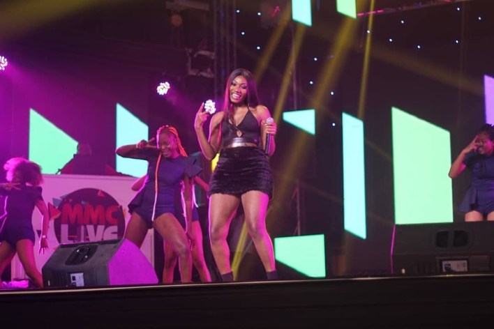 Wendy Shay rocks MMC Live, Apedwa Festival in one Night