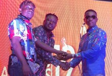 Photo of U2Jay wins Hiplife Song of the Year trophy