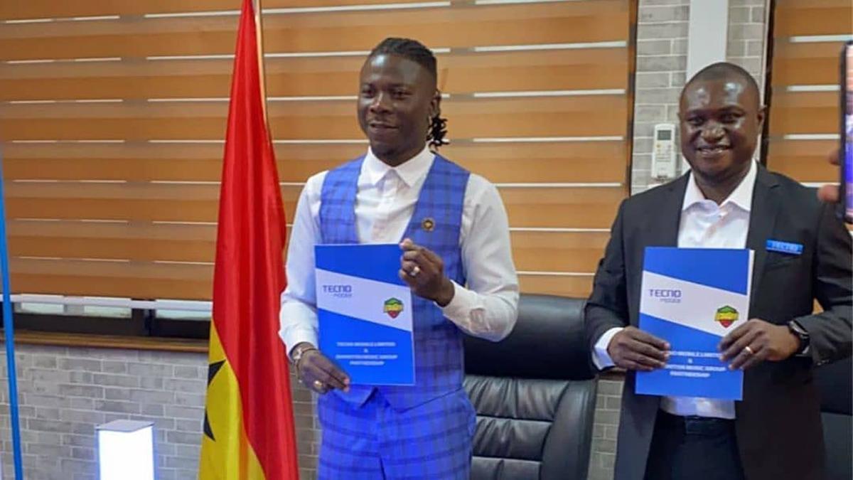 Stonebwoy clocks ambassadorial deal again with Tecno Ghana