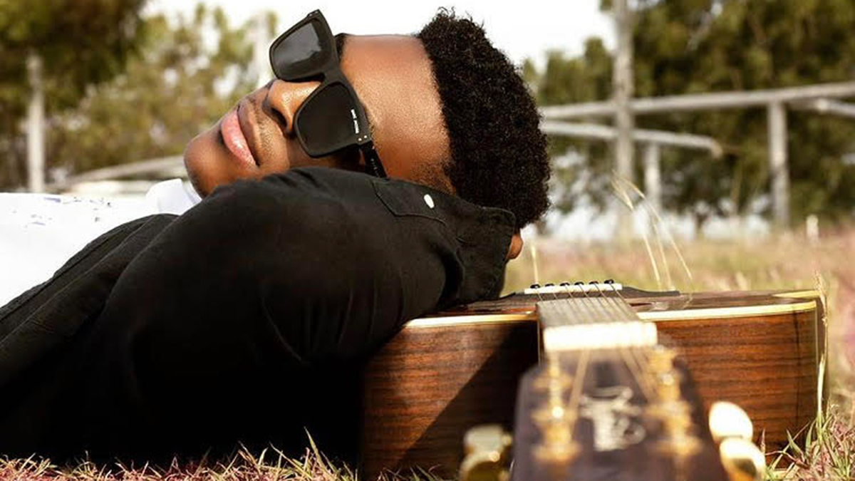 K.Junior digs deep into the crates of authentic Ghanaian music for latest single; Mpotompoto
