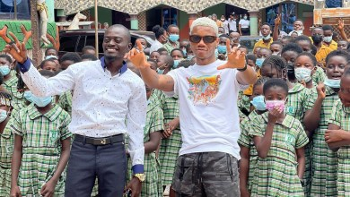What's it with KiDi & kids these days as he thrills students of Lilwin's school!