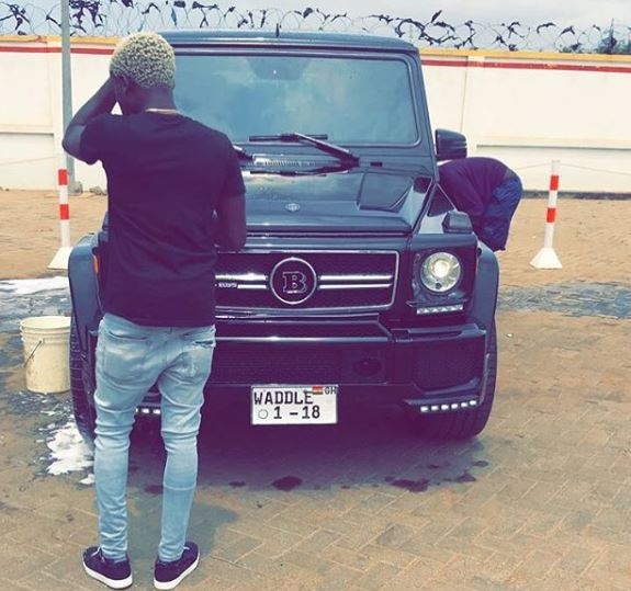 Criss Waddle shows off brand new G Wagon