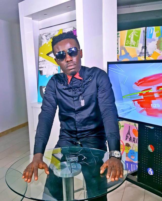 Criss Waddle Reveals Why He Hasn't Signed Any Female Yet