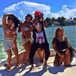 COME ON WEEZY! YOU SHOULD SEE HOW WIZKID IS SUFFERING JUST TO CARRY A GIRL