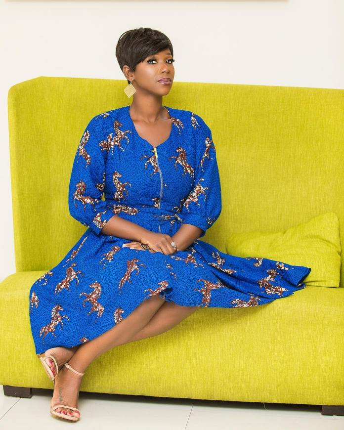 swagofafricanews 52793968 379059196012105 2916129006085981897 n - Ama K Abebrese Looking Stunning In This Blue African Print (MORE Photos