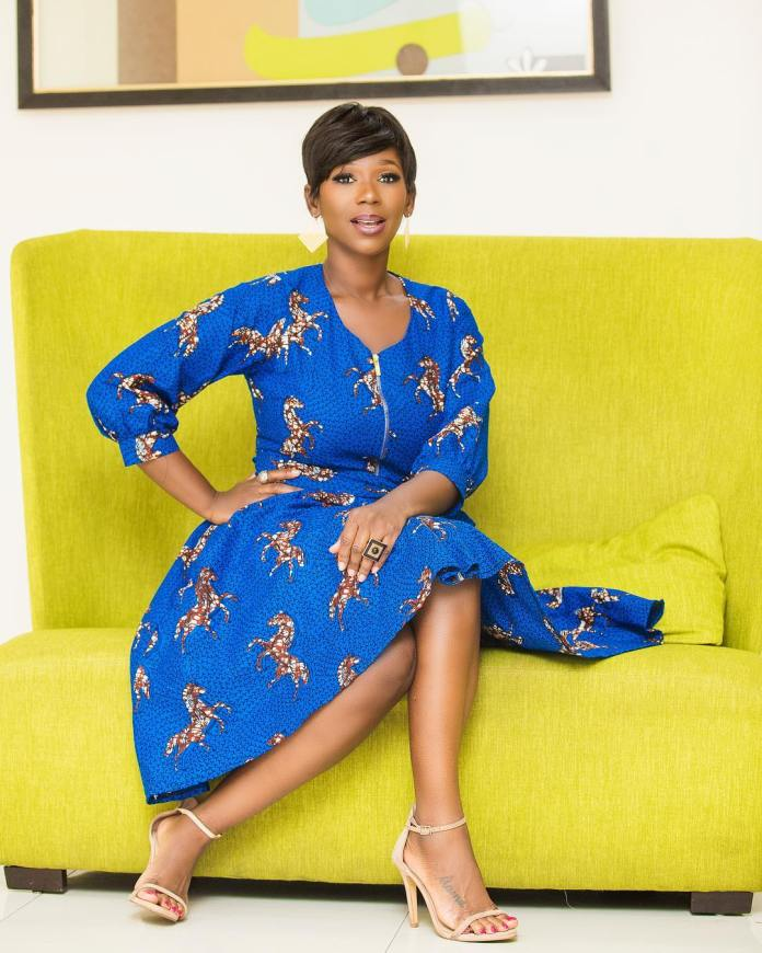 swagofafricanews 55851117 265901080998518 5100246737512461195 n - Ama K Abebrese Looking Stunning In This Blue African Print (MORE Photos