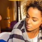 Nikki Samonas shares no make up photo and fans can't keep mute