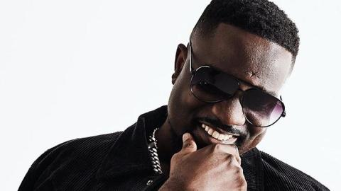 Sarkodie Shares A Video Of One Of The Things That Made Him Miss Home – Video
