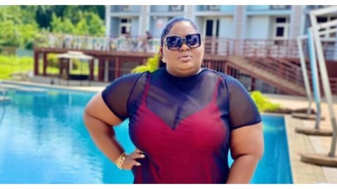 'Shapeless Old Woman'- IG Users Drag Eniola Badmus For Bagging Her Big Body In This New Outfit