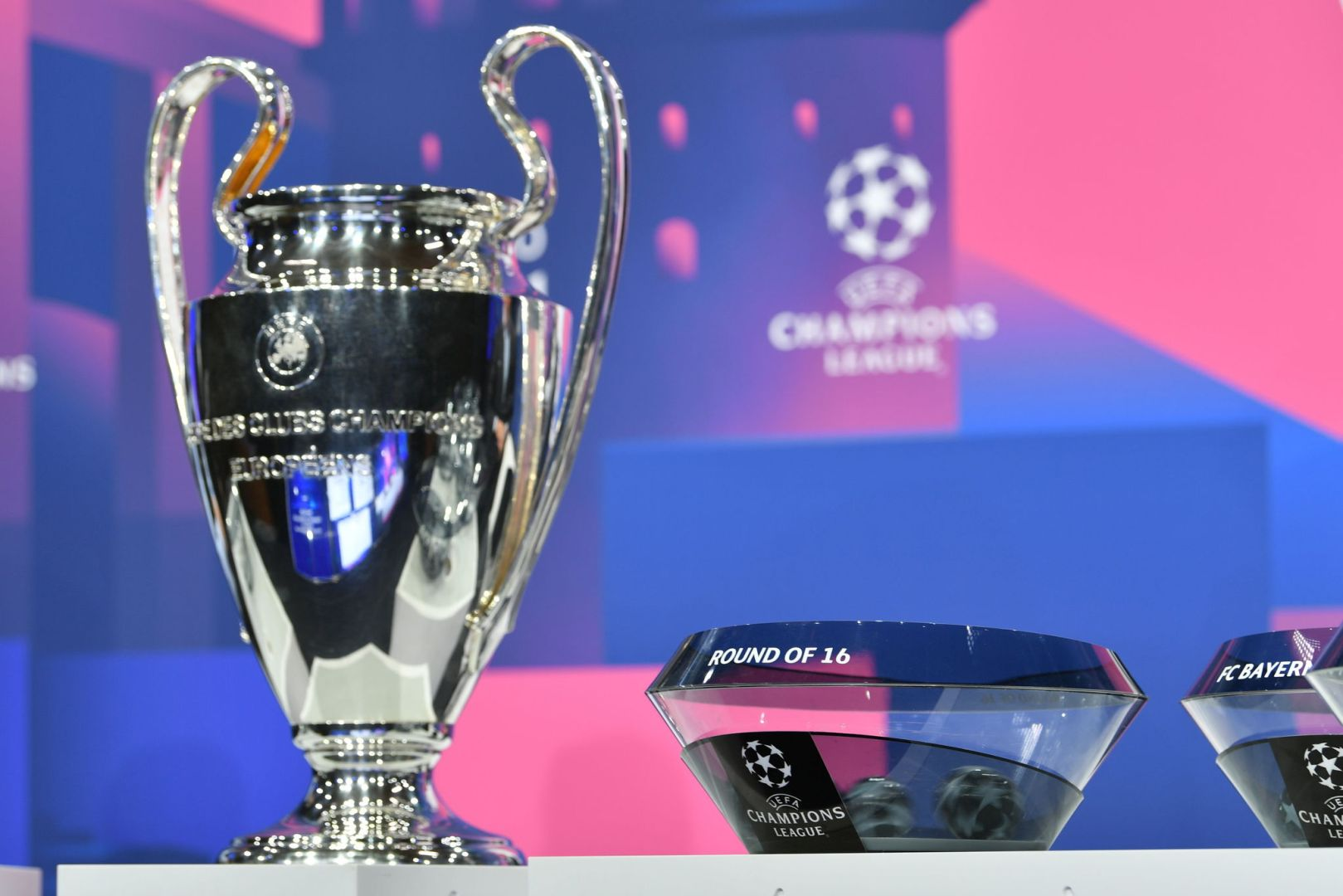 #UCL Round Of 16 Draw: Barcelona plays PSG, Atletico Madrid faces Chelsea