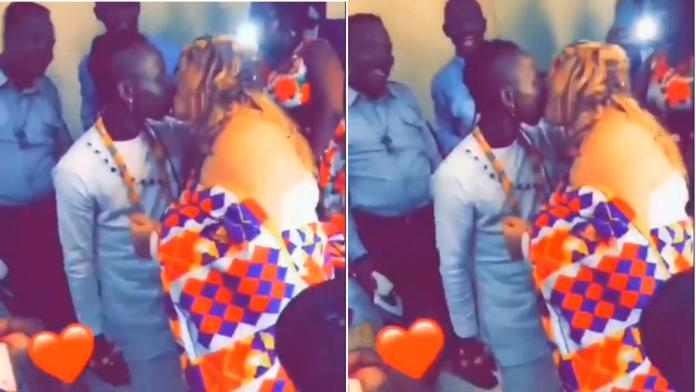 Moment Patapaa vigorously kissed German bride Liha Miller during their traditional marriage ceremony [Video]