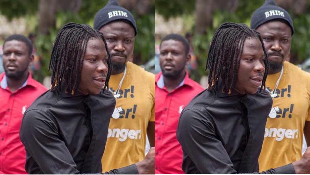 Update: Eyewitness narrates how Stonebwoy helped his bodyguards to assault driver in Kumasi [Video +Audio]
