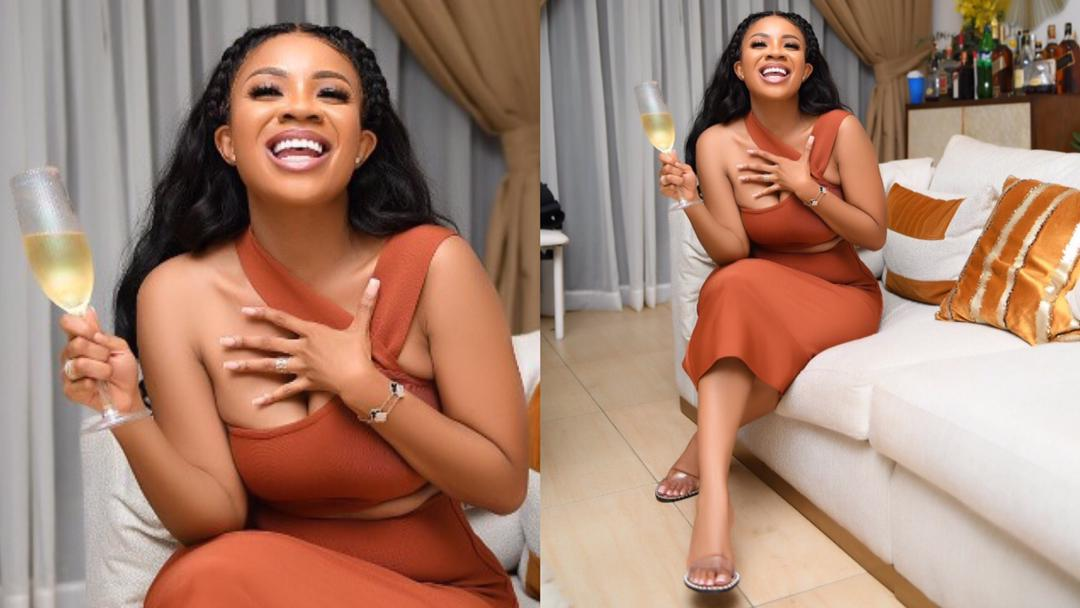 """""""Marriage is not important, I prefer to be single"""" – 31-year-old Serwaa Amihere replies blogger who said her life is incomplete without a husband"""
