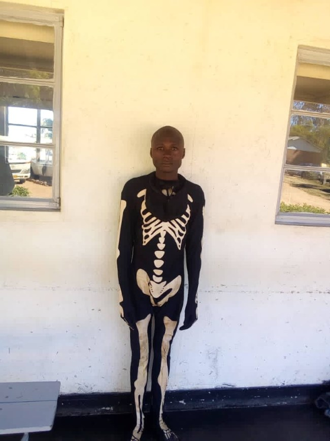 Police arrest man who pretends to be a ghost to rob houses (Photos) 3