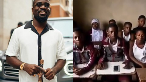 Sarkodie reacts warmly after school children sang and rapped his song word for word in class (Watch)