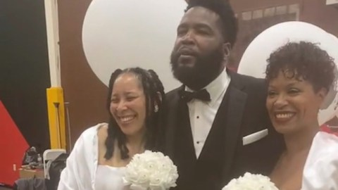 Relationship expert Dr Umar Johnson marries two women same day (Watch)