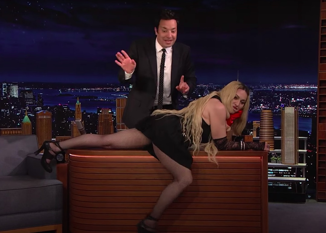 American singer Madonna goes crazy on TV, pulls up dress to reveal his underwear