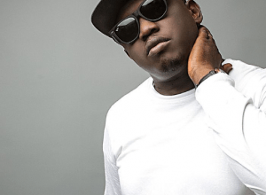 Photo of iLLBLiss Ft Niniola – Superman