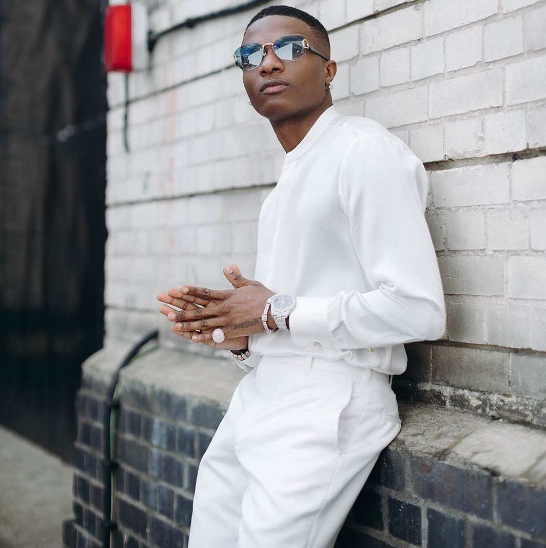 Wizkid Shuts Down Social Media With All White Picture