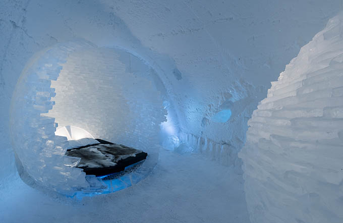 ice_hotel_sweden_before_the_big_bang_by_rob_harding_timsam_harding_-_photo_christopher_hauser_icehotel_680_0