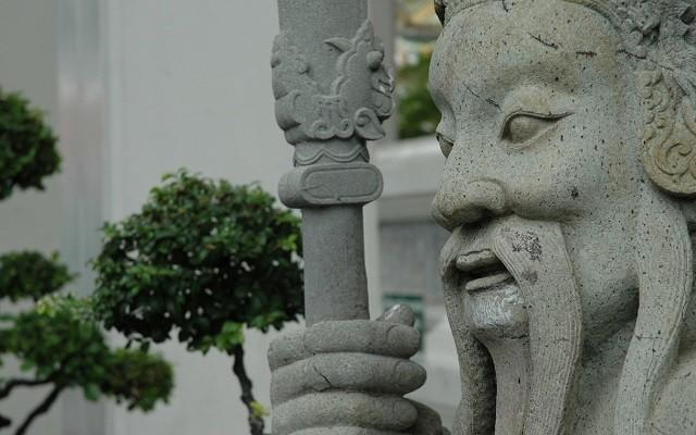 statue-bangkok-640x400