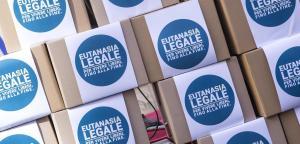 Una raccolta firme a favore dell'eutanasia in Italia.