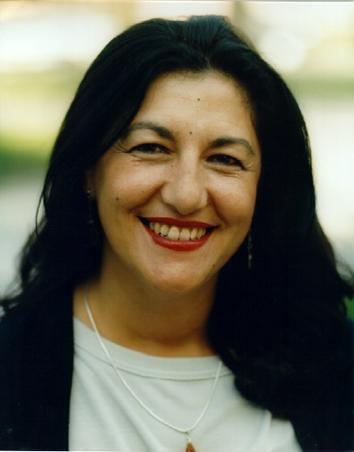 La novelista y poeta Dulce Chacón.