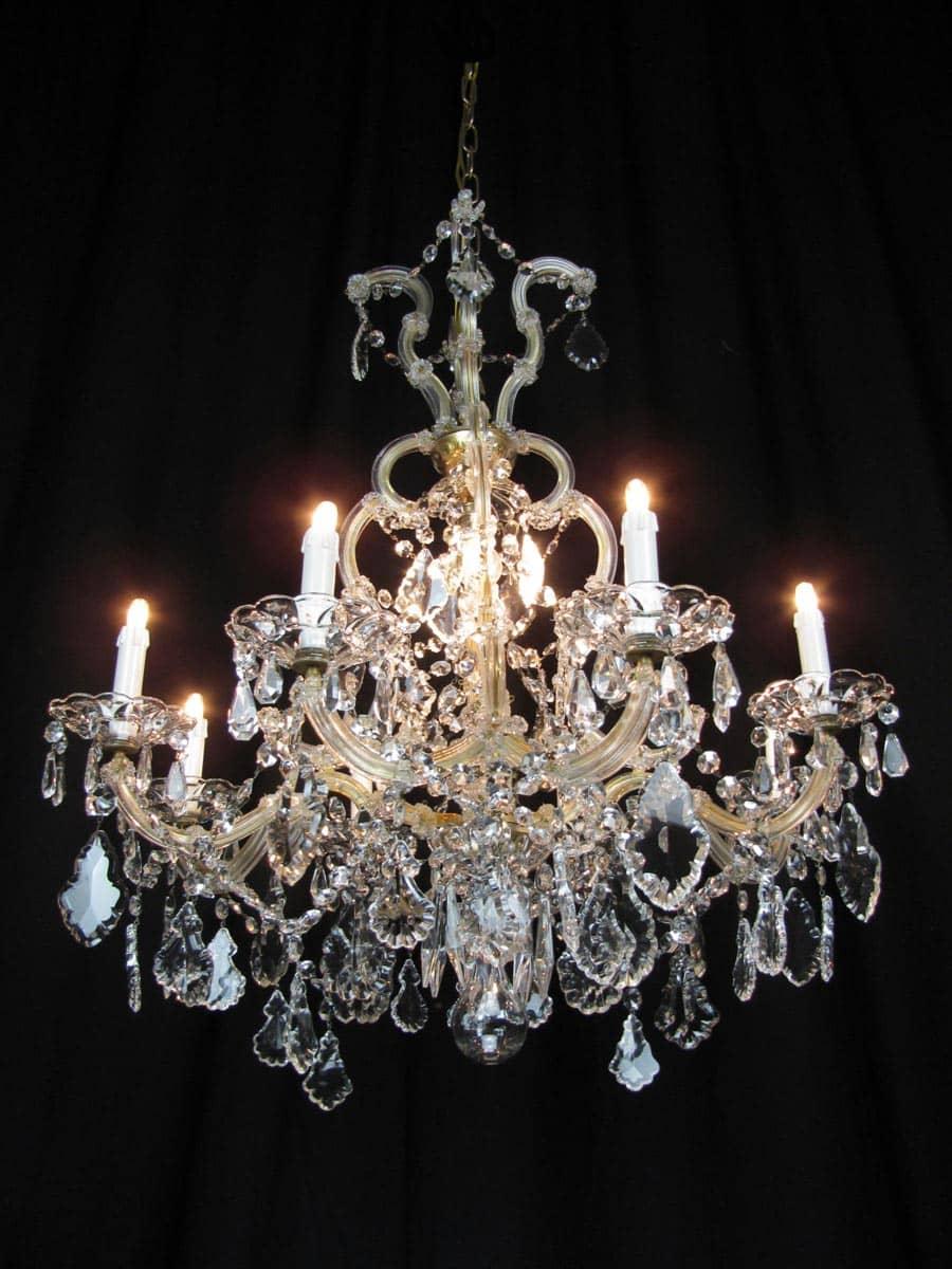 Coppia di lampadari a gocce in cristallo. Lampadario Maria Teresa In Cristallo Di Bohemia