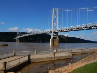 The Maysville/Aberdeen bridge across the Ohio River